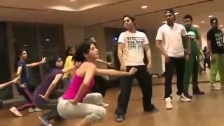 sruthi hasan dance practice