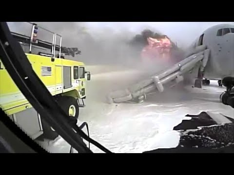 Xxx Mp4 Crash Truck Dash Cam 2 AA 383 Engine Fire At O'Hare 3gp Sex