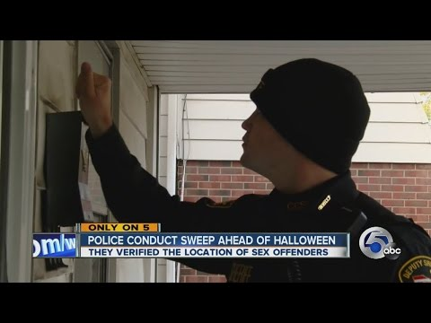 11pm Cops verify sex offender locations for Halloween