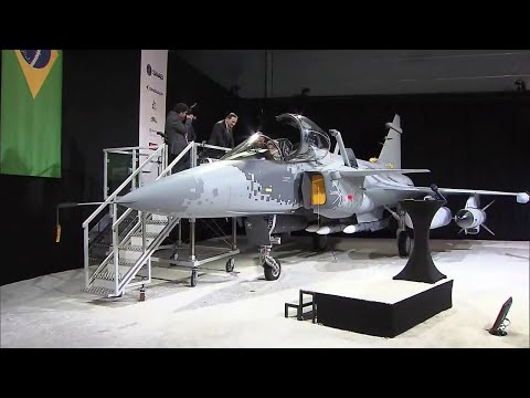 Dilma visita fábrica do caça Gripen NG - President Rousseff's first hand experience of Gripen NG