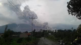 Erupsi gunung sinabung 14 nov 2016