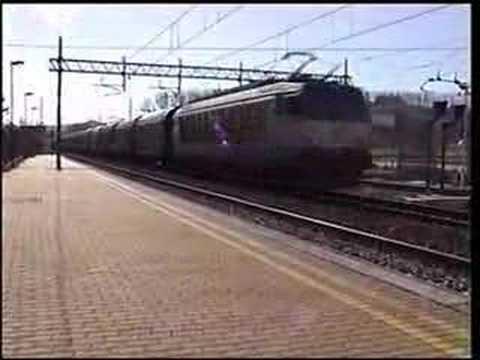 Attenzione treni in transito