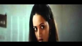 Bhavana Hot Navel Show In Saree - Actress Bhavana Exposing Hot Huge Full Navel in Saree
