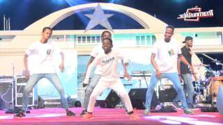 Shatta Wale s Chop Kiss and Wisa s Ekiki me dance performance @ Freedom Concert 2016
