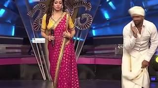 South actress Sada - intentionally exposing her curves in saree slow-mo HD