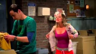 The Big Bang Theory - Hot penny in bra