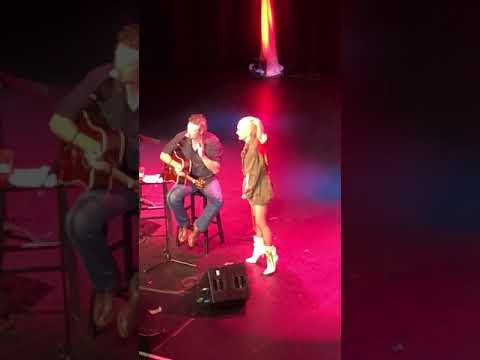 Blake and Gwen duet 413
