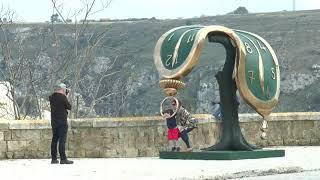 Matera, installate in città alcune opere originali di Salvador Dalí