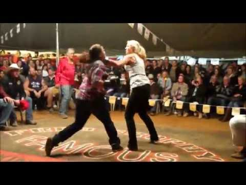 3 women tent fight Outback Fight Club Mt Isa 2015