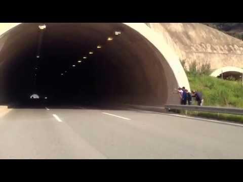 Honda CBR 1000 RR TÜNEL İÇİNDE SES DİNLE