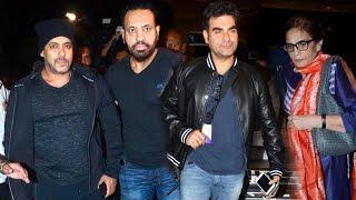 Salman Khan With Family Spotted At Mumbai Airport - Arbaaz Khan,Salma Khan