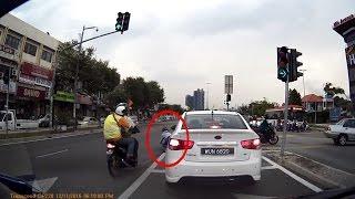 من المتسبب برأيك ؟؟؟ حادث بين سيارة ودراجة