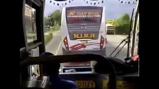 Gila!! Bus menantang maut