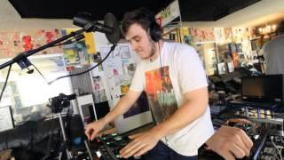 Mister Wobbles - Bigger Than Hip Hip Hop - Loopstation Shout Out - LABB