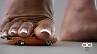 Darla TV - Giantess Ebony Feet Trample Muscle Car