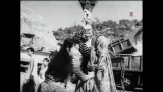 YE CHANDA ROOS KA NA YE JAPAN KA -RAFI AND CHORUS -SHAILENDRA-S D BURMAN -(INSAAN JAAG UTHA 1959)