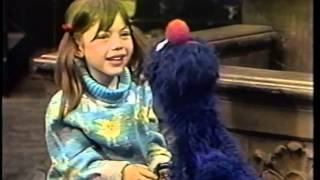 Classic Sesame Street - Heather and Grover Count 1-20