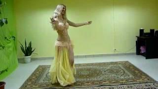 Belly dance - Tabla solo improvisation by Janan (Azza