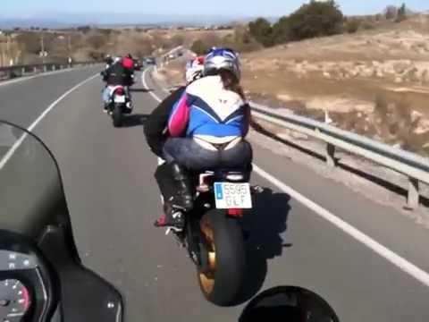 A Navaluenga en moto