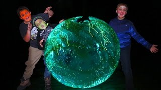 GLOW IN THE DARK SUPER WUBBLE BUBBLE!