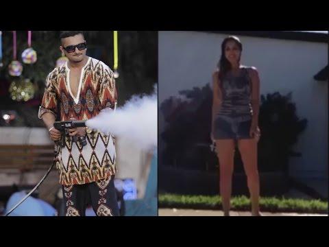 Yo Yo Honey Singh ice bucket challenge accepted by sunny leone!