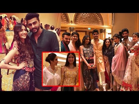 Xxx Mp4 Sridevi With Daughters Sonam Kapoor And Family At A Wedding 3gp Sex