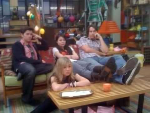 ICarly Randoms for up comeing ep