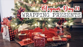 WRAPPING CHRISTMAS PRESENTS! || Vlogmas Day 21