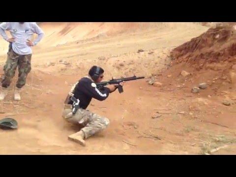Instrucción de disparo y seguridad con el Instructor de la FOPE Paraguay.