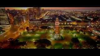 Aislinn Derbez, Mauricio Ochmann --  A LA MALA -- Trailer