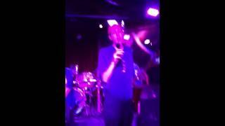 Mel and Ben sing karaoke!
