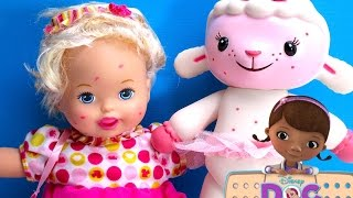 Doc McStuffins SPOTTY Lambie breaks her leg incident while playing with Little Mommy Baby Doll