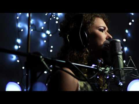 Tanya George - The Will (live acoustic)