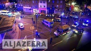 Finsbury Park mosque: Man dies as van hits worshippers