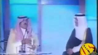 خالد الفيصل يكرم عبدالرحمن بن سعود في المفتاحة وتصفيق حار من الجمهور