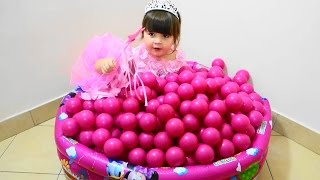 Baby toys - Baby balls Funny videos with toys for girls