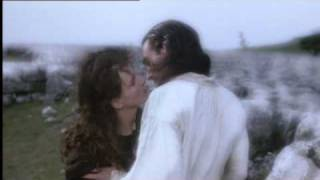 Wuthering Heights - Kate Bush (1992 clips)