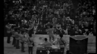 JAMES BROWN  - Sex Machine (1/3) - Live Palasport, Bologna Italy April 1971
