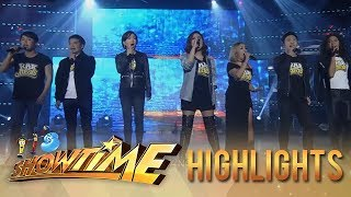 It's Showtime: Rak of Aegis members rock the showtime stage!