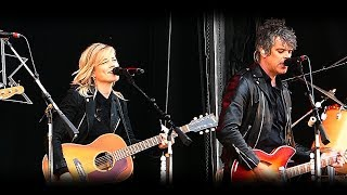 THE COMMON LINNETS - HEARTS ON FIRE LIVE @ VESTROCK HULST 2017