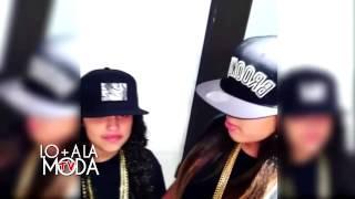 Nicky Jam cantando con sus hijas Te Busco y Cheerleader
