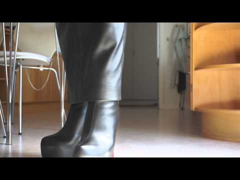 Leather hobbleskirt and new highheel boots