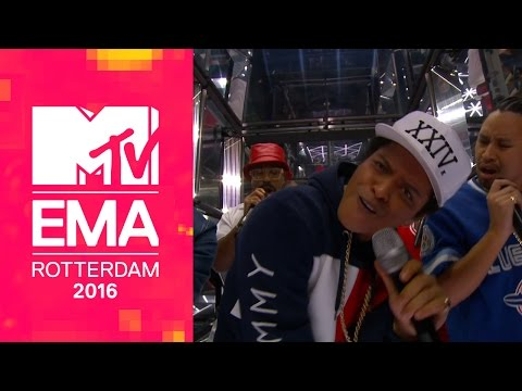 watch Bruno Mars – 24K Magic (Live from the 2016 MTV EMAs)
