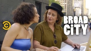 Ilana Starts a (Very Illegal) Business - Broad City