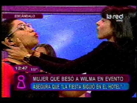 Chilenas besándose
