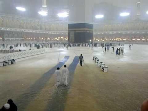 Rain in Masjid ul Haram Makkah on 30 12 2010