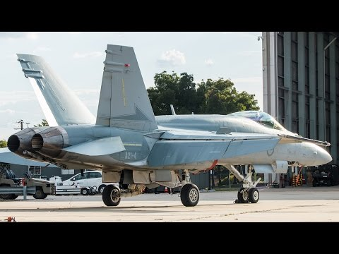 GRAND PRIX SPECIAL | RAAF F/A-18A Hornet Takeoff and Landing Melbourne Airport - [A21-4]