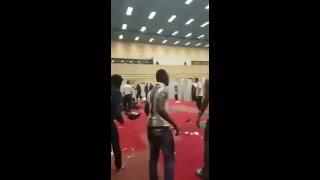 Un migrant homo de DAESH se fait clasher dans un centre d'accueil allemand