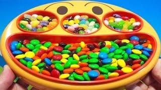 アンパンマン アニメおもちゃ フェイスランチ皿 お菓子ディスペンサー おかしがいっぱいでてくるよ 冷蔵庫の中でかくれんぼ いないいないばあ