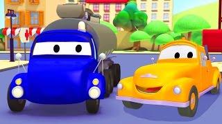 Tom la Grúa y el Camión Cisterna en Auto City   Dibujos animados para niños